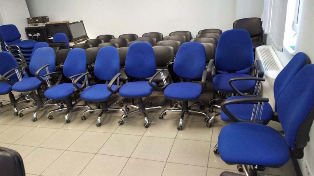кресло ортопедическое офисное