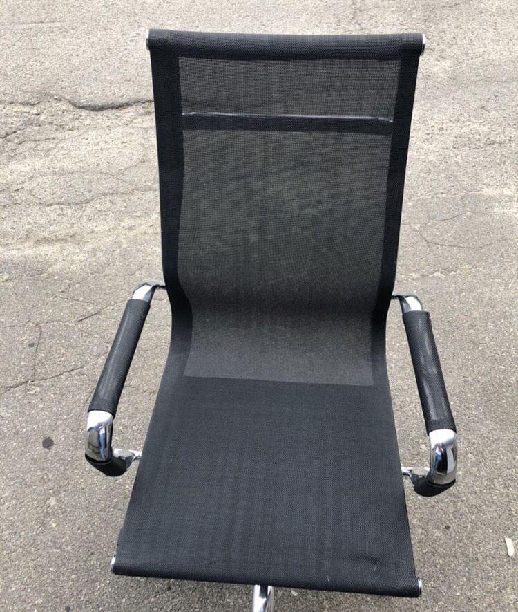 стул новый офисный