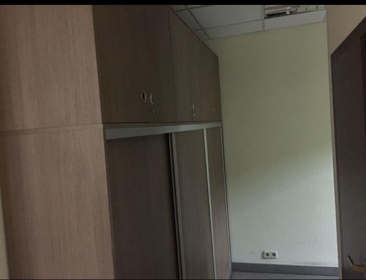 шкаф купе офисный в интерьере